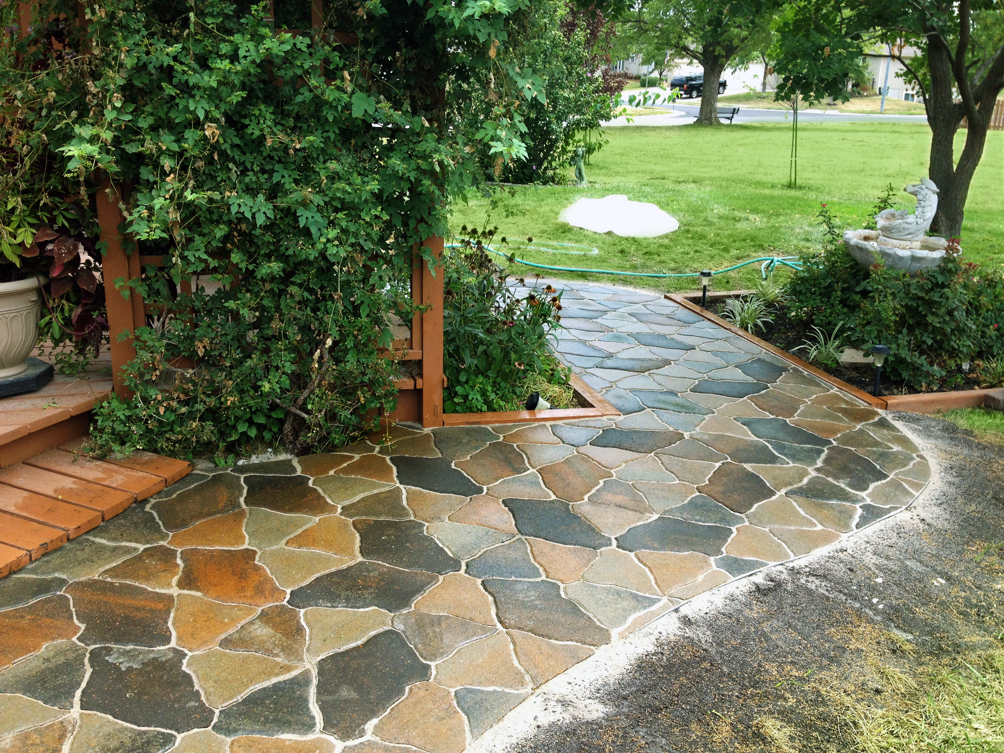 Walkways paths patios garden gate lawn landscape - Garden pathway design ideas with some natural stones trails ...